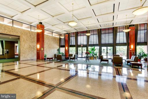 5505 Seminary Rd #1614n, Falls Church 22041