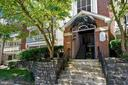 1523 Lincoln Way #301