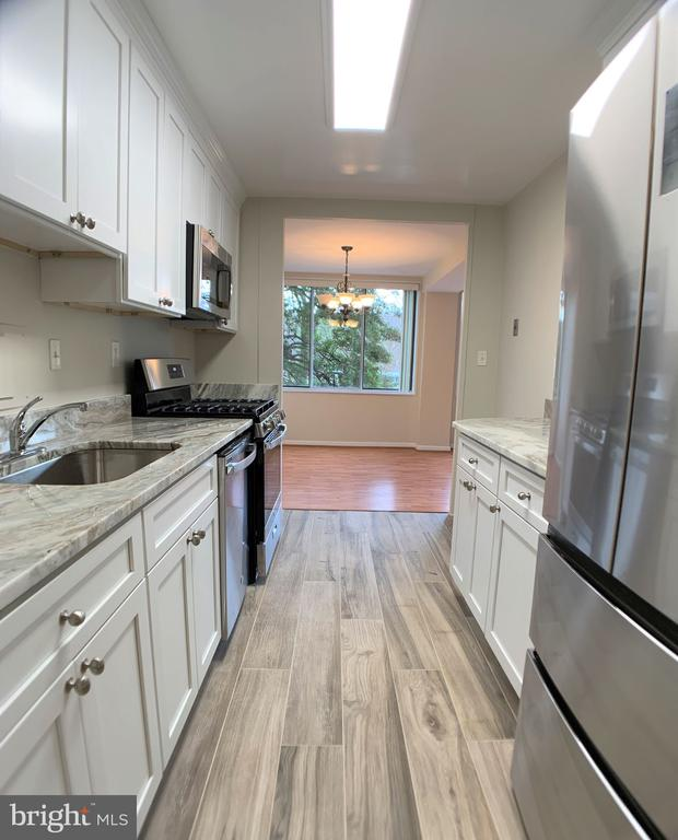 Photo of 6631 Wakefield Dr #203
