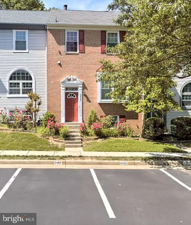 6458 Autumn Glen Ct, Alexandria, VA 22312