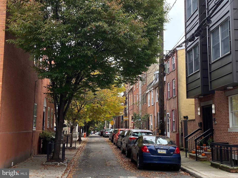 136 Carpenter Street UNIT A Philadelphia , PA 19147