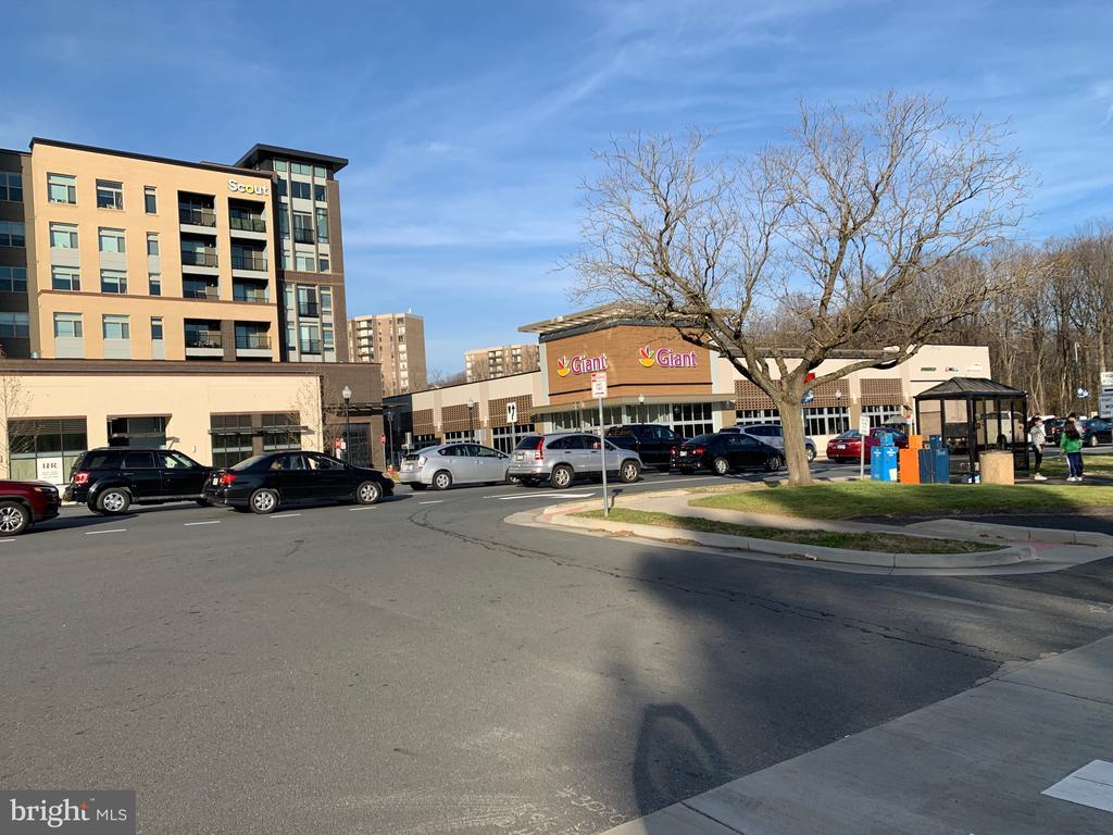 Photo of 9475 Fairfax Blvd #102