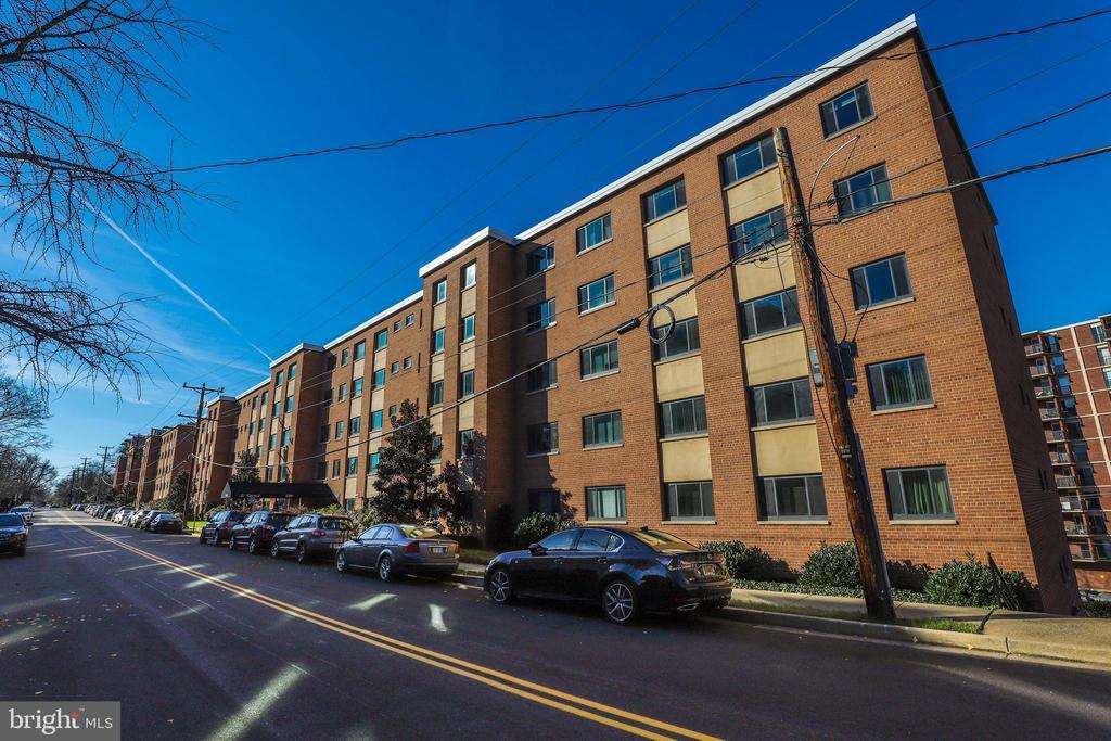 Photo of 1200 S Arlington Ridge Rd #515