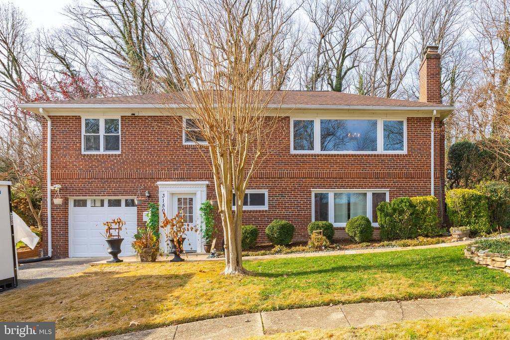 3150 Siron St, Falls Church, VA 22042