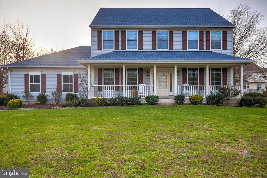 Fabulous opportunity to live in the sought after community of Schooler's Pond in Arnold Md. Impeccably cared for 5 bdrm 3.5 bath colonial has plenty of room for a growing family. Located on a corner lot, the front yard faces the quiet cul de sac and is the perfect spot for children to play.  The home has so many updates including a new roof(2017), stainless steel appliances, granite counter tops, Brand new Floors throughout, Whole house freshly painted,  all bathrooms  updated as well as a beautiful Master bath with a his and her closet! Enjoy the water privilege's and park like setting that make this neighborhood so desirable. A beach, pier, fishing pond, picnic area, walking paths and kayak storage are all part of the neighborhood on the Magothy River. A must see... Broadneck schools