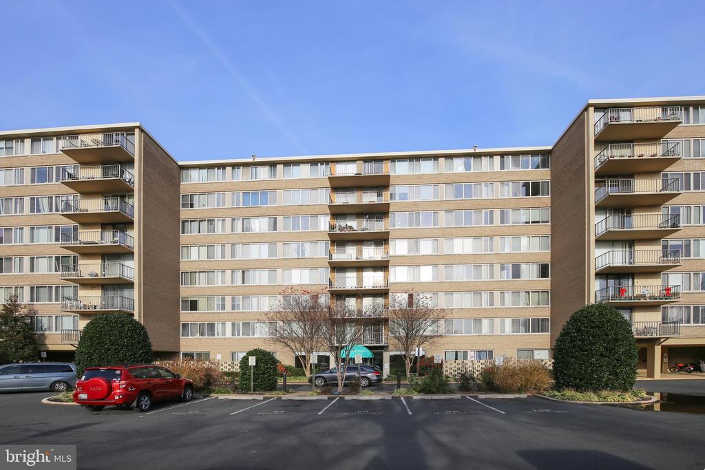 5565 Columbia Pike #409, Arlington, VA 22204