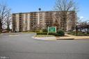 6001 Arlington Blvd #906