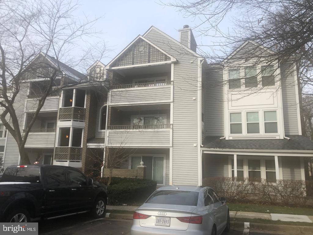 Photo of 7700 Lafayette Forest Dr #33