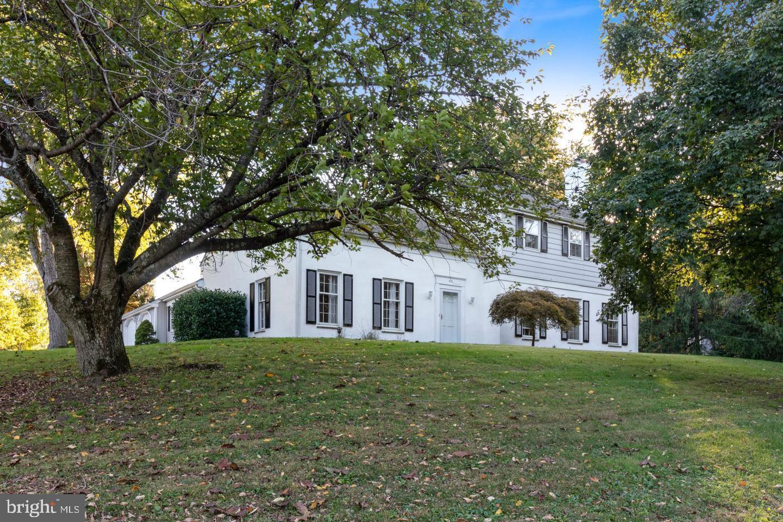 828 Paddock Drive Newtown Square, PA 19073