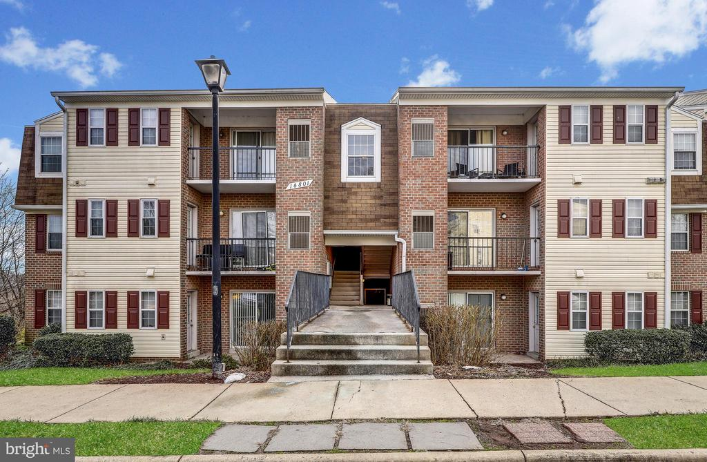 14801 Rydell Rd #102, Centreville, VA 20121