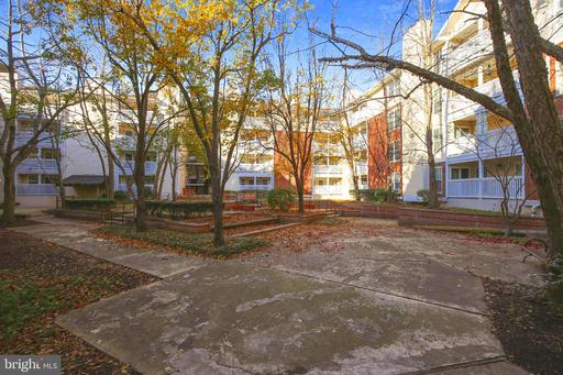 1504 Lincoln Way #211, McLean 22102