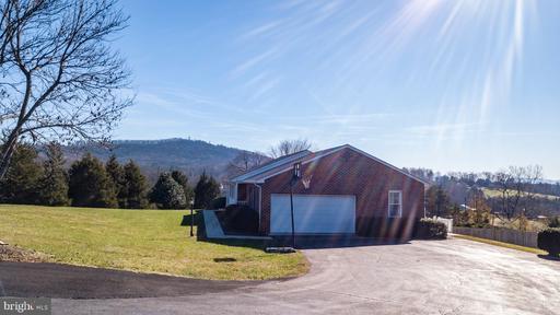 105 Advance Mills Charlottesville VA 22903
