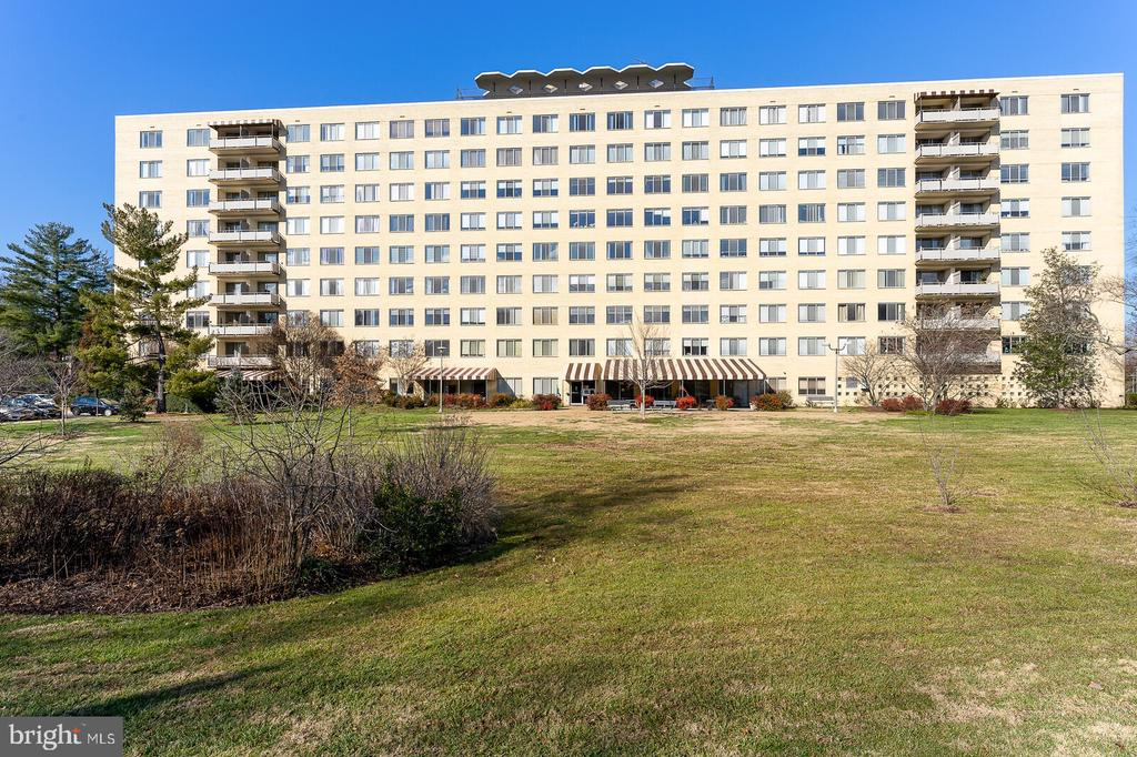 Photo of 6641 Wakefield Dr #311