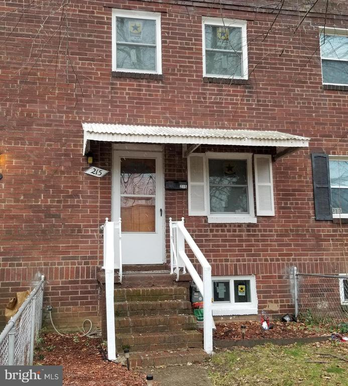 215 Buchanan St