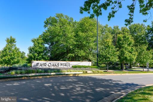 3300 Lauren Oaks Ct Oak Hill VA 20171