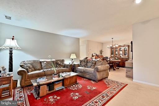 10134 Oakton Terrace Rd, Oakton 22124