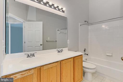 14300 Stonewater Ct Centreville VA 20121