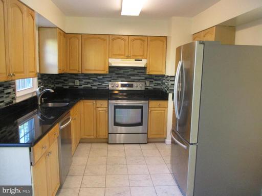5504 Lakewhite Ct Fairfax VA 22032