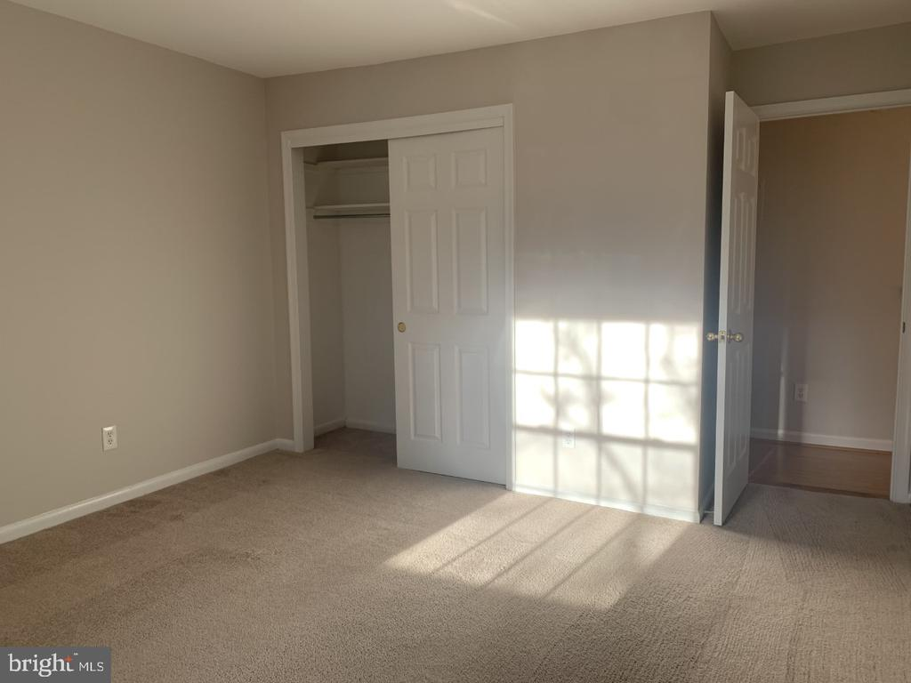 Photo of 8110-E Colony Point Rd #218