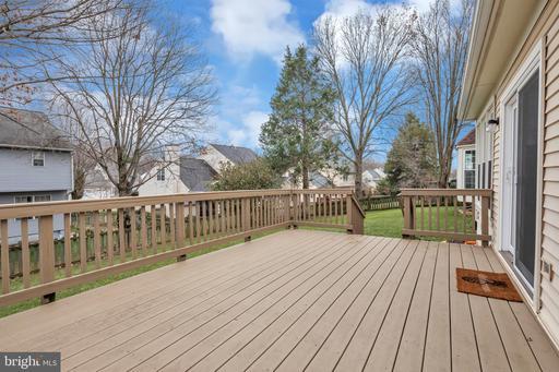 5413 Sequoia Farms Dr Centreville VA 20120