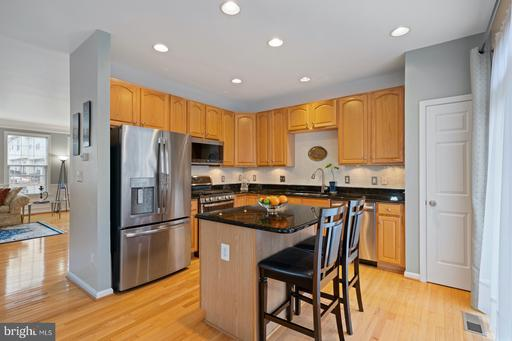 8750 Mill Towns Ct, Alexandria 22309