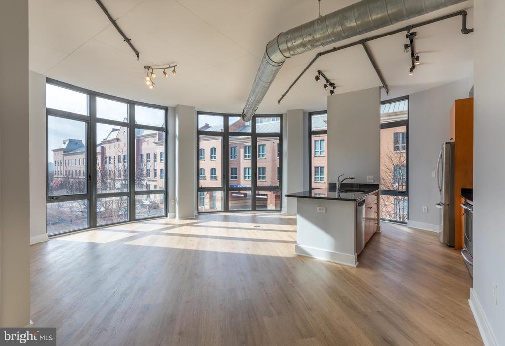 Photo of 520 John Carlyle St #228