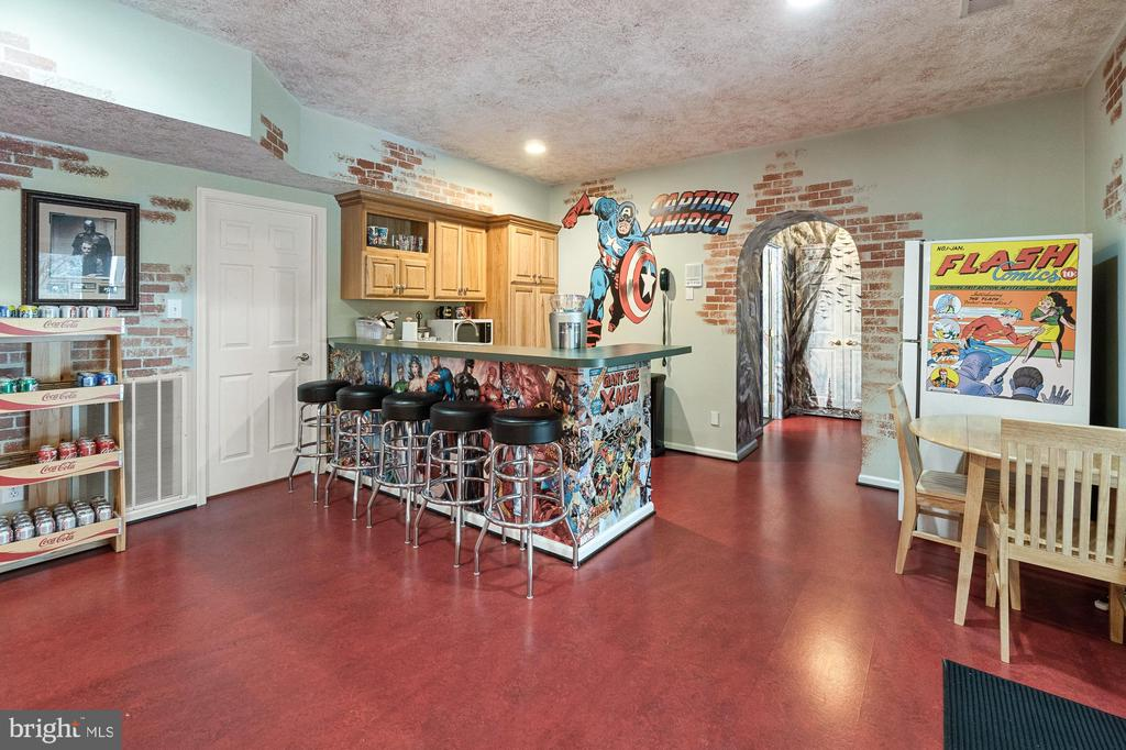 12649 High Meadow Rd, North Potomac, MD 20878