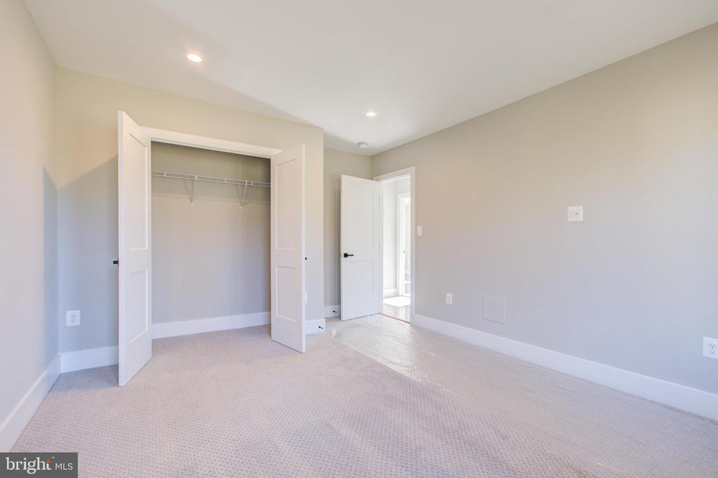 326 Ridge, Washington Grove, MD 20880