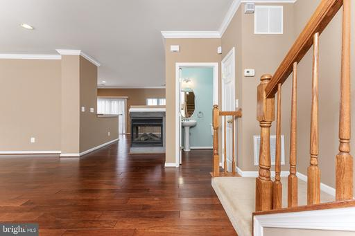 4464-B Beacon Grove Circle #602b, Fairfax, VA 22033