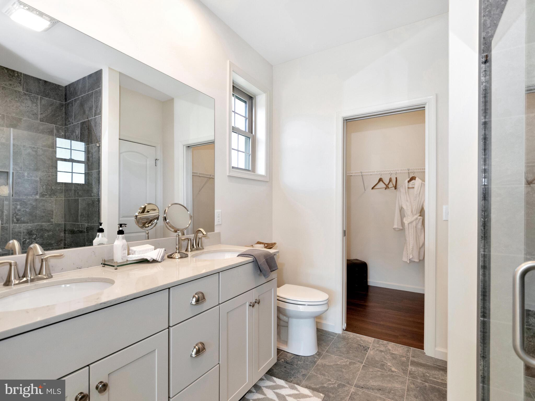 Main full bath with double vanity