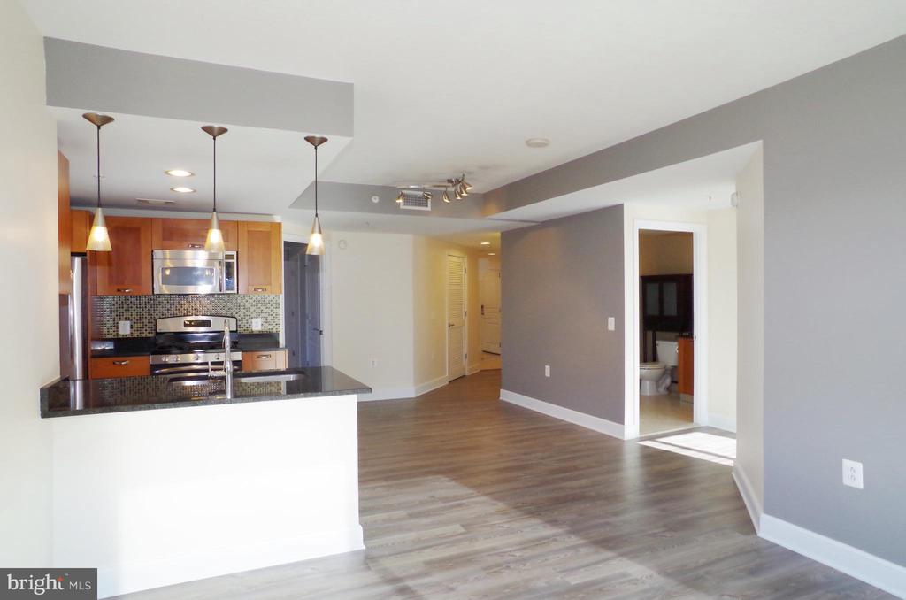 Photo of 2451 Midtown Ave #718