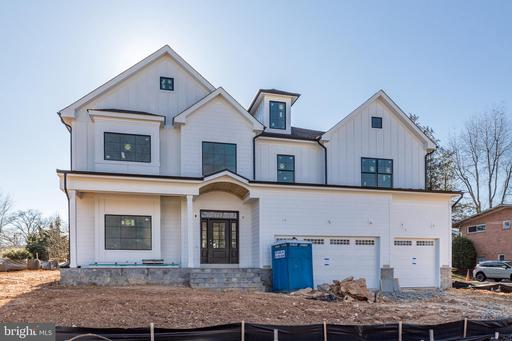 6709 Old Chesterbrook Rd, McLean 22101