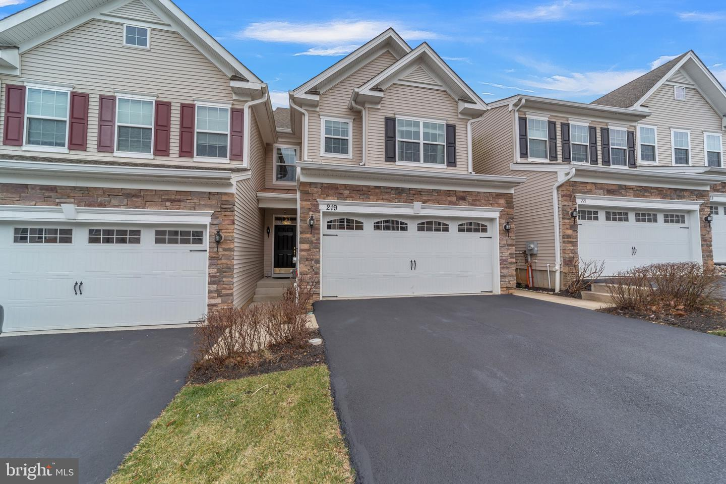 219 Clermont Drive Newtown Square, PA 19073