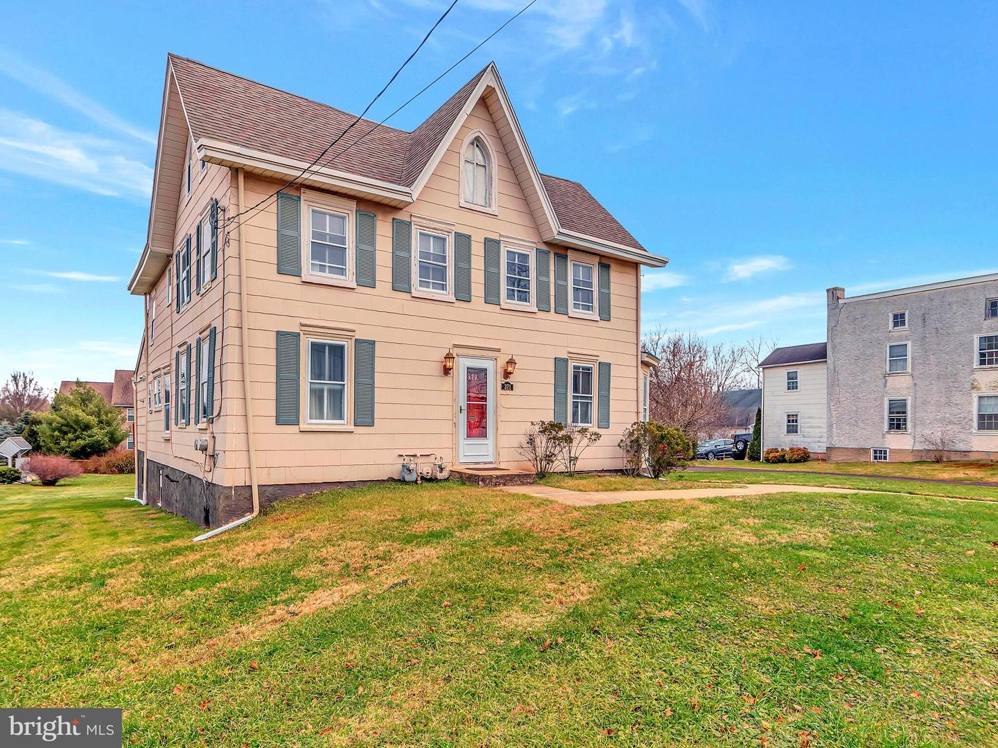371 W Main Street Collegeville, PA 19426
