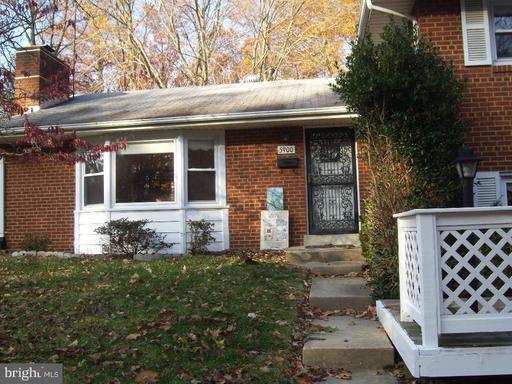 5900 Bush Hill Dr, Alexandria, VA 22310