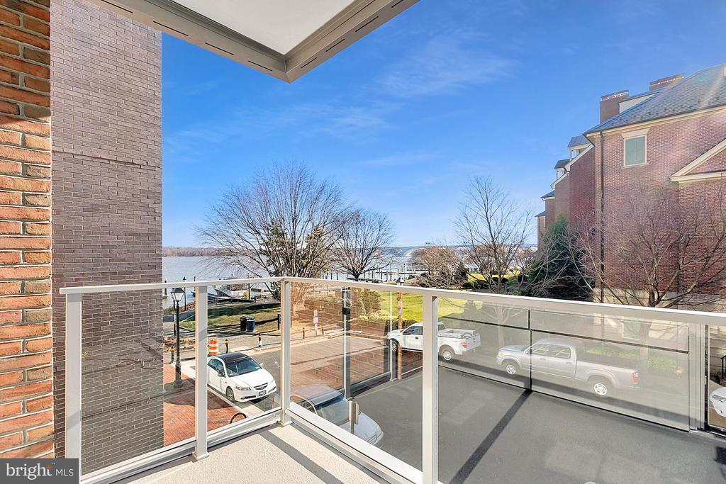 310 Strand Street #Residence 101, Alexandria, VA 22314