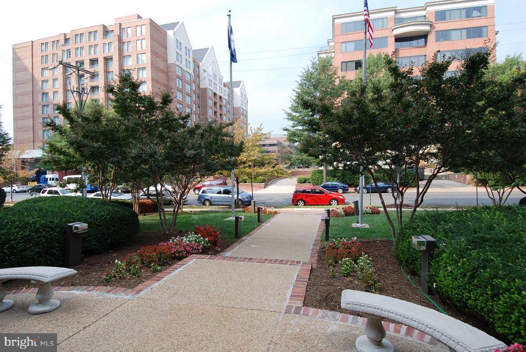 Photo of 801 N Pitt St #1701