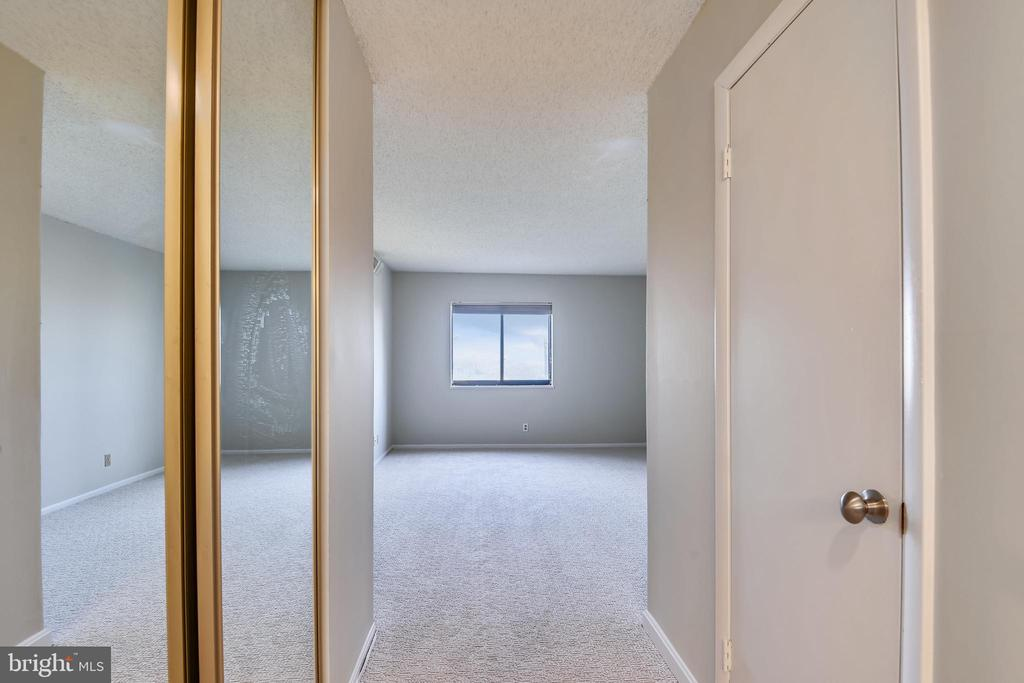Photo of 5902 Mount Eagle Dr #1401