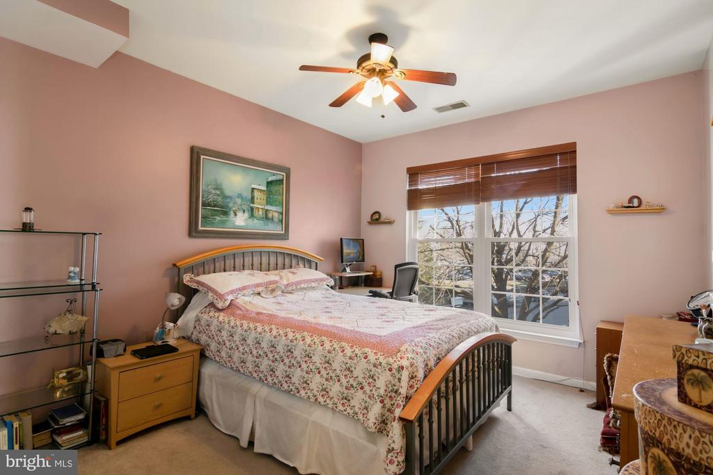 Photo of 5924 Founders Hill Dr #201