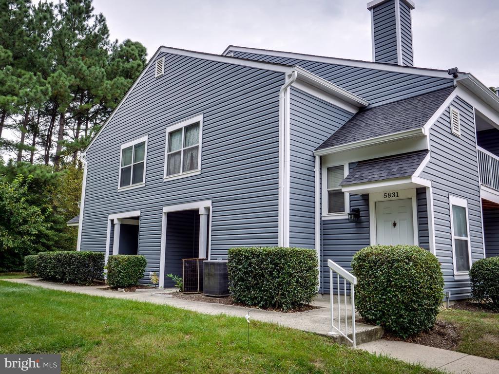 5827 Orchard Hill Ct, Clifton, VA 20124