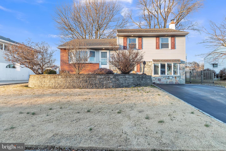 418 Portland Drive Broomall, PA 19008
