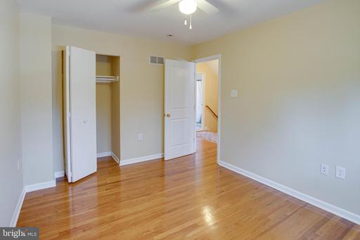 9606 Braddock Rd Fairfax VA 22032