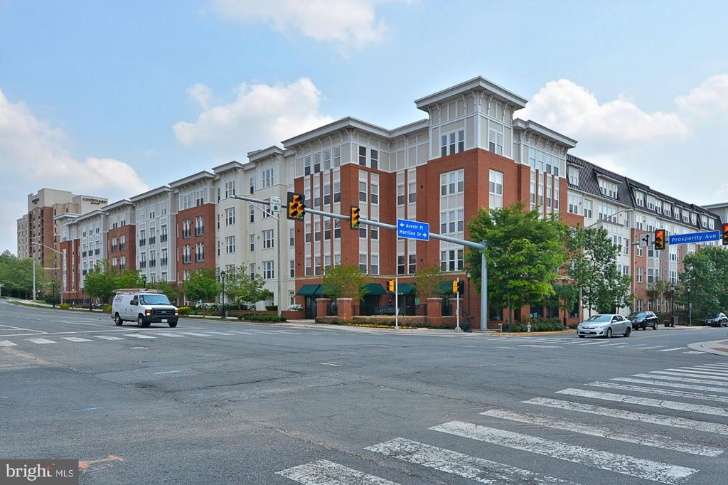 2655 Prosperity Ave #429, Fairfax, VA 22031