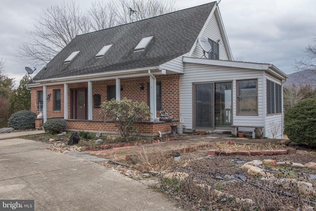 Photo of 313 River Hills Rd