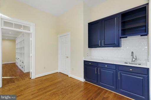 6601 Old Chesterbrook Rd Mclean VA 22101