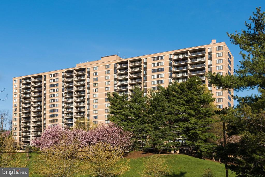 Photo of 5500 Holmes Run Pkwy #208