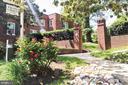 1742 N Rhodes St #5-302
