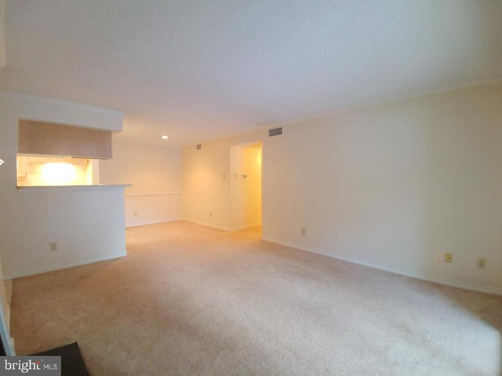 Photo of 1525 Lincoln Way #202