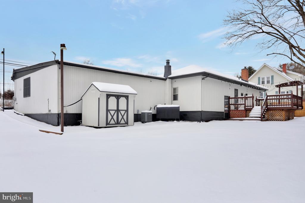 28711 Ridge Rd, Mount Airy, MD 21771