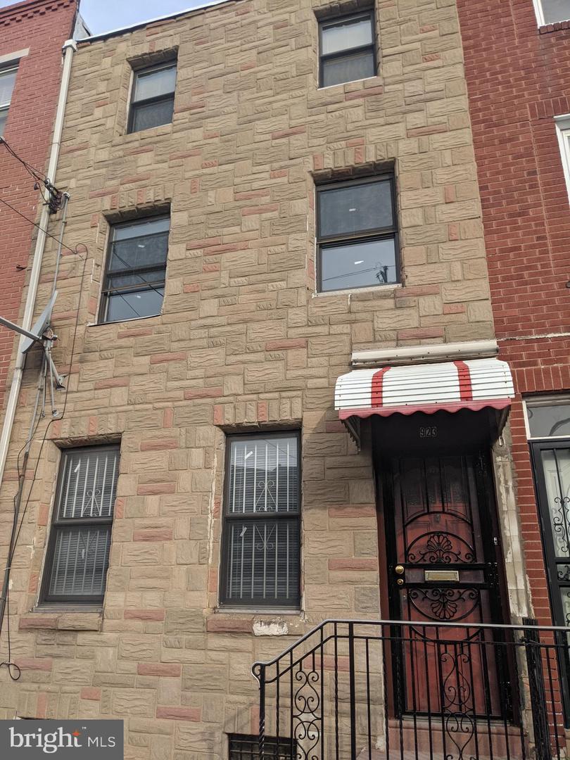 923 Reed Street Philadelphia, PA 19147